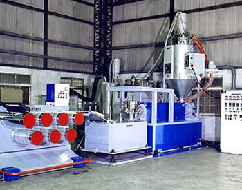 POLYESTER ZIPPER MONOFILMENT MAKING MACHINE